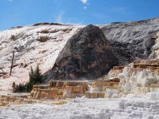 Devil's Thumb at Mammoth Hot Springs